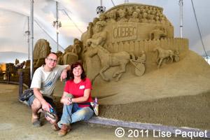 Les artistes sculpteurs Jill et Thomas de Floride