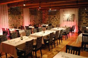 L'intérieur du restaurant Côtes-à-Côtes