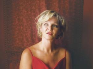 La violoniste Roxane de Lafontaine présente Django Bell, un album de Noël joyeux