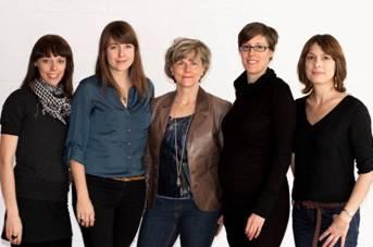 Marie-Andrée Labbé (Scénariste), Catherine Therrien (Réalisatrice), Christiane Asselin (Productrice), Claire Buffet ( Productrice déléguée), Caroline Mailloux (Scénariste)