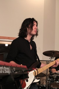 François-Olivier Doyon, bassiste et contrebassiste originaire de Saint-Georges de Beauc