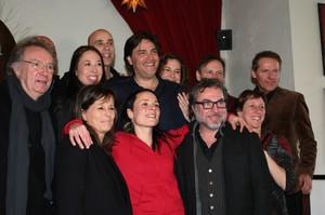Pascale Picard accompagnée de l'équipe de lancement de son nouvel album dont Fabienne Larouche