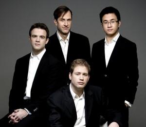 JONATHAN CROW, violon - ANDREW WAN, violon - BRIAN MANKER, violoncelle - ERIC NOWLIN, alto