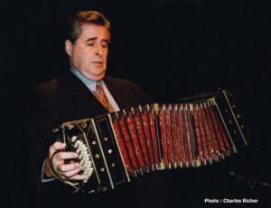Romulo Larrea  Samedi 14 avril 20h  Salle Edwin-Bélanger