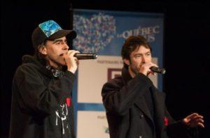 Les Loco Locass qui prenaient part au coup d'envoi, en offrant une prestation de leur nouvelle chanson Les géants.
