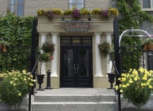 L'entrée de l'Hôtel Port-Royal