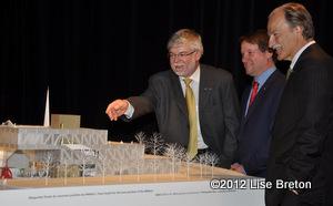 John R. Porte Président de la Fondation, Louis Vachon président et chef de la direction de la BN, Pierre Lassonde Président du conseil d'administration,