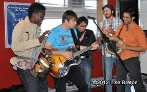 Daniel Boucher avec le groupe de Mario Saint-Amand