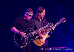les deux guitaristes Georges et Jim Suhler