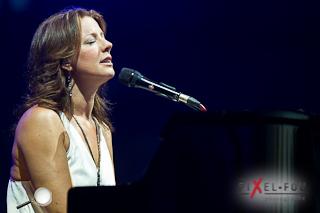 Sarah MClachlan au piano