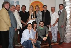 Louis Pelletier, Jacques St Gelay Tremblay, Serge Murphy, Nicole Ménard et les artistes de l'exposition réunis