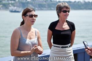 Mmes Lynda Germain, directrice générale a droite de la photo, et  Maude Furtado, directrice de la pyrotechnie et artificière