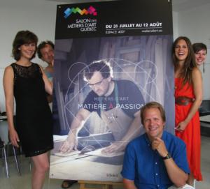 Devant : Christopher Hall, ambassadeur. À gauche : Geneviève Brouillette, ambassadrice et Kino Guérin, artisan. À droite : Chéli Sauvé-Castonguay, ambassadrice et Anne Painchaud-Ouellet, artisane.