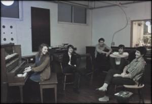 The LOODIES présente leur premier album ; Edgy Ground