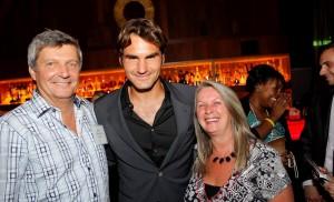 Stephan Babos, propriétaire de Sobab et sa conjointe Aline Rousseau ont eu le privilège de parler tennis et sûrement un peu de… café, avec le grand Roger Federer, le meilleur joueur de tennis de l'histoire.