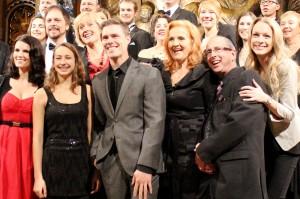 Les stars chantent Noël en route vers l'Édition 2012