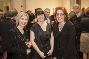 Trois artistes de l'encan 2012 : Lyne Montmeny, Julie Mineau et Jeannine Bourret.