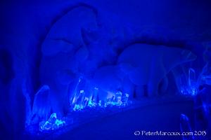 Magnifique sculpture dans la neige