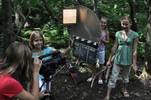 les jeunes du camp d'été de l'Académie du cinéma en action