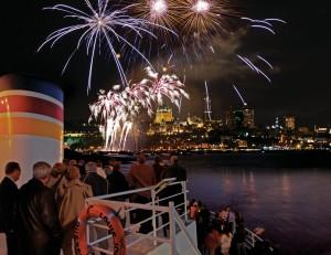 les feux d'artifice de Québec et Montréal à bord des bateaux de AML