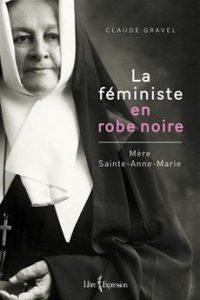Féministe en robe noire (photo : courtoisie)