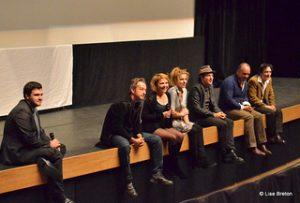Toute l'équipe qui répond aux questions du public, sous la supervision de Christopher, coorganisateur du festival