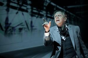 Marc Labrèche dans Les Aiguilles et L'opium de Robert Lepage