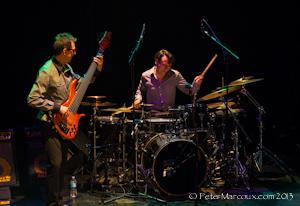 Le bassiste Alain Caron et le batteur Damien Schmitt