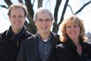 Le Trio Frontenac  formé du violon solo de l'OSQ, Darren Lowe, du violoncelle solo de l'OSQ, Blair Lofgren et de la pianiste Suzanne Beaubien.