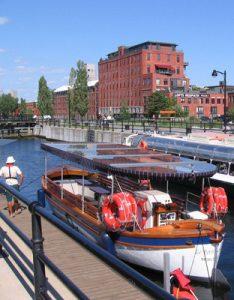 Le canal de Lachine au cœur de Montréal