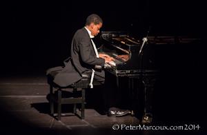 Daniel Clark Bouchard au piano du Grand Théâtre de Québec