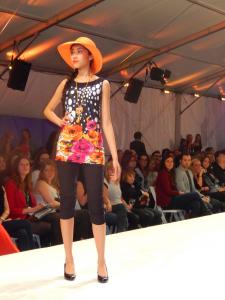 Miss Versa - Robes + chapeaux