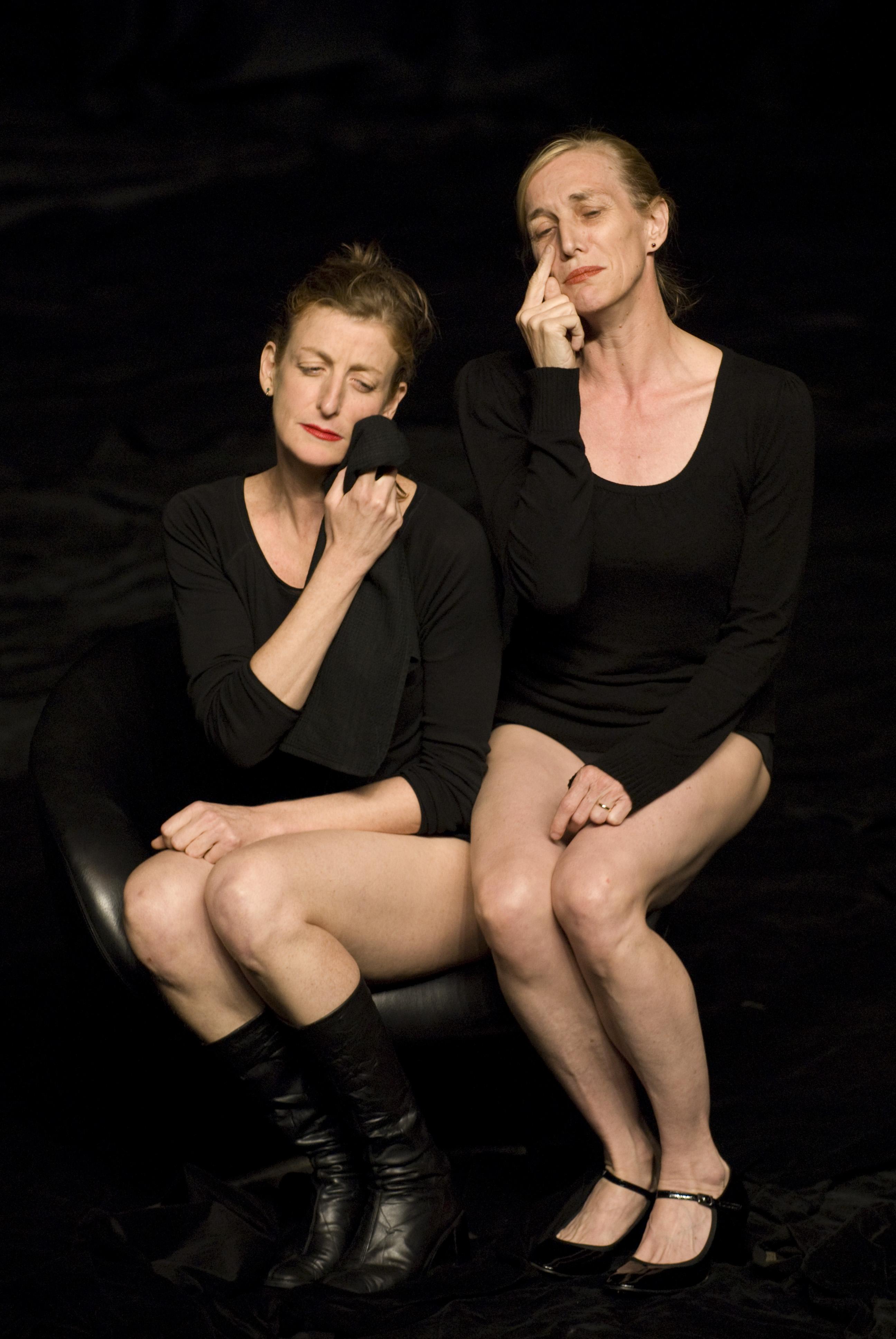 Les danseuses La Ribot et Mathilde Monnier