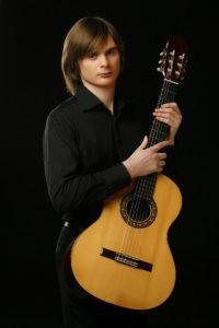Le guitariste russe Anton Baranov, © photo: courtoisie
