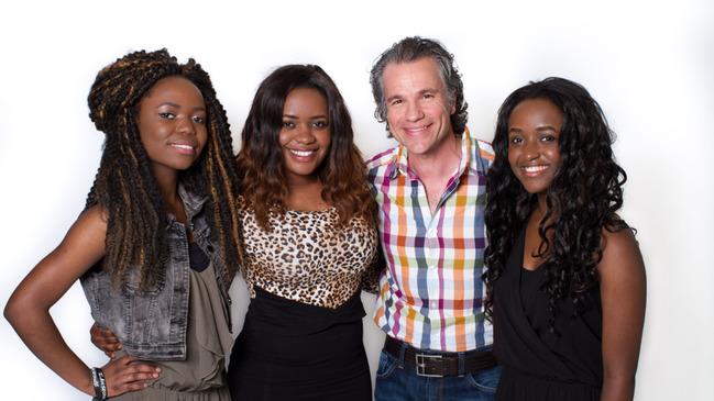 Famille Namwira avec Bruno Pelletier © photo: KarineDufour