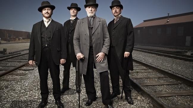 Ils ont fait l'Amérique - Acteurs personnifiant Andrew Carnegie, John D. Rockefeller, Cornelius Vanderbilt et J.P. Morgan  © photo: courtoisie