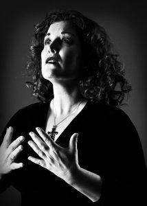 Katee Julien chante Édith Piaf à la Place des Arts les 30 et 31 janvier © photo: courtoisie