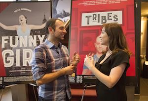 Jack Volpe interprète dans «Tribes» et la directrice artistique du Segal, Lisa Rubin. Photo par Leslie Schachter