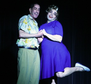 Mitchell Brownstein (Wilbur) et Mike Mileno (Edna)