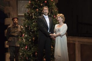 Le couple de chanteurs d'opéra dans Silent Night Crédit : Yves Renaud