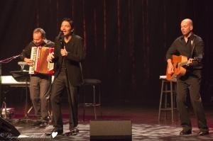 Nicola Ciccone et des musiciens