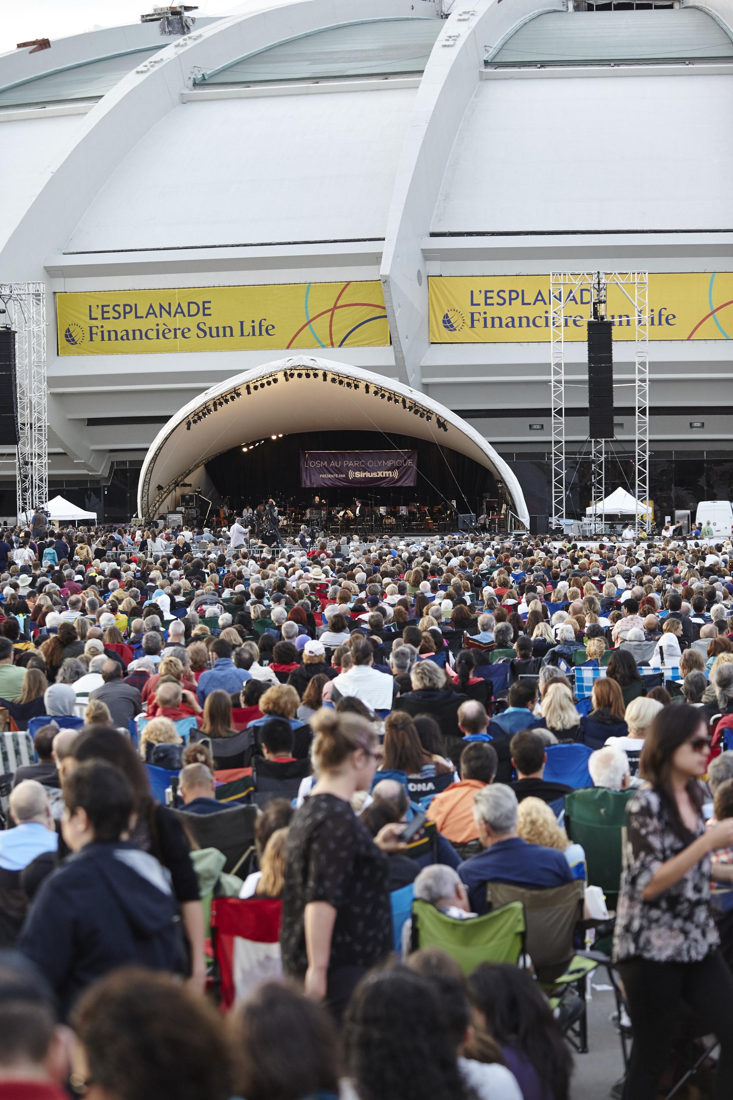 La foule au Parc olympique de Montréal , © Jean-François Hamelin, Parc olympique