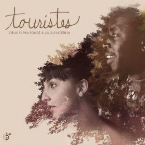Touristes- Vieux Faka Touré et Julia Easterlin