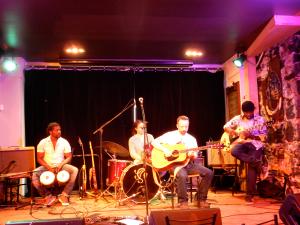 Simon Henley et ses musiciens