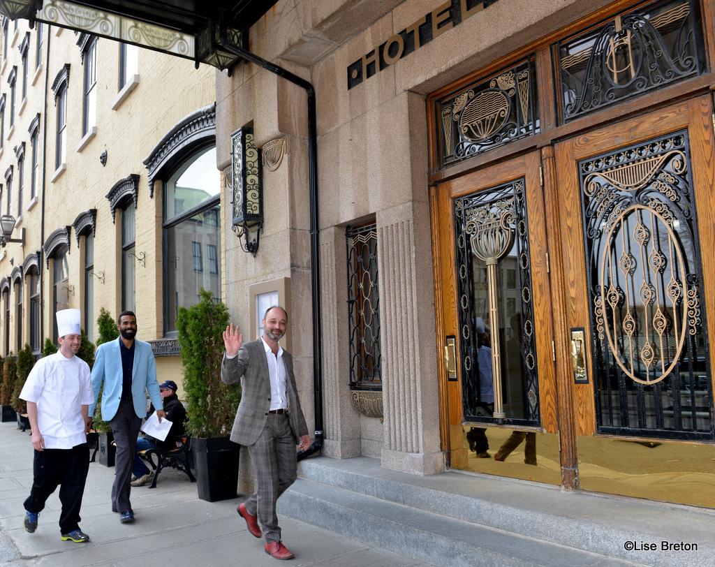 Simon Côté-Tremblay, chef Chez Jules - Maxime Caliste, président SDC du Vieux-Québec - Marc-Antoine Doré, SDC Vieux-Québec et propriétaire de Chez Jules