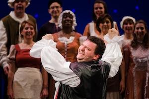 Adam Gallay et le Lyric Theatre Singers