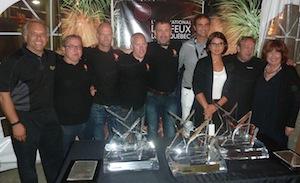 De gauche à droite: le directeur technique du concours (Paul Csukassy), les gagnants du Jupiter d'Argent pour la Suède (Andreas Helle, Kenth Svensson, Kenneth Hurlen et le concepteur Martin Hildeberg), les gagnants du Jupiter d'Or pour l'Espagne (le concepteur Ricardo Caballer et Eugenia Catiru), le gagnant du Jupiter de Bronze (le concepteur Nicolas Guinand) et la directrice du concours (Martyne Gagnon)