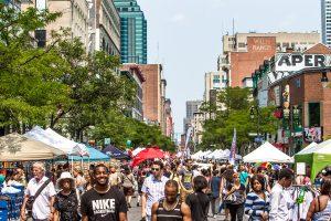 La rue Ste-Catherine  à Montréal