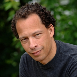 Lawrence Hill © photo: Lisa Sakulensky