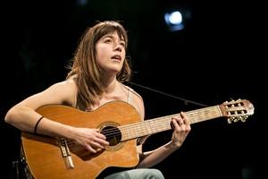 Sarah Villeneuve-Desjardins dans la pièce Le Jeu